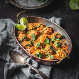 shemins thai red meatball curry